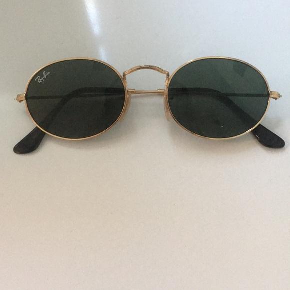 bddd4ea737 Oval ray ban sunglasses. M 5a70c1c01dffda8c990a2779